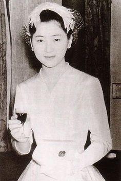 日本皇族最高の美女 - Google; the most beautiful Japanese royal!