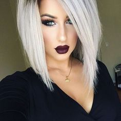 48 Beautiful Platinum Hair Colors for Summer Platinum Blonde Hair Platinum blond remains the measure of light shades. It is ideal without impurities: no yellowing and ashen haze. Platinum Blonde Hair Color, Icy Blonde, Platnium Blonde Hair, Short Platinum Hair, Blonde Honey, Honey Balayage, 2018 Hair Color Trends, Hair Trends, Long Bob Haircuts