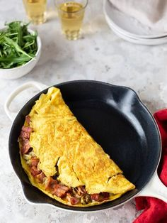 A large omelette, enough for four, with a delicious bacon and potato filling. Serve for brunch or supper. Omelette Recipe, Egg Recipes, Recipies, Farmer, Delish, Bacon, Brunch, Potatoes, Meals
