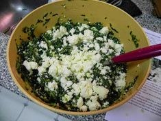 Ñoquis de espinaca y ricota sin harina Good Food, Yummy Food, Sin Gluten, Palak Paneer, Vegetable Recipes, Finger Foods, Empanadas, Feta, Vegan Recipes