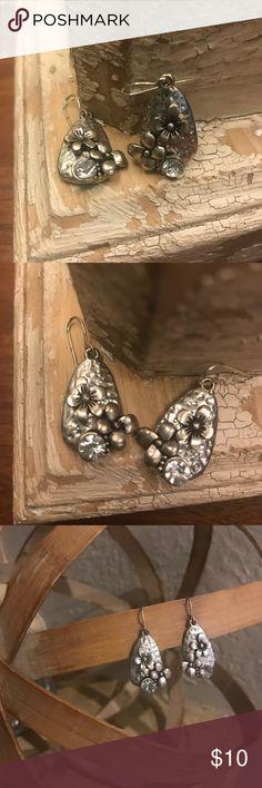 Silver Tear Drop Earrings Silver Tear Drop Earrings with flowers and rhinestone Jewelry Earrings