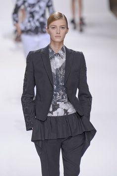Dries Van Noten at Paris Fashion Week Spring 2012 - Runway Photos
