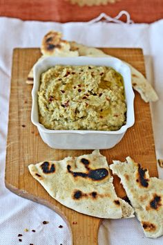 Versatile Vegetarian Kitchen: Green Peas Hummus