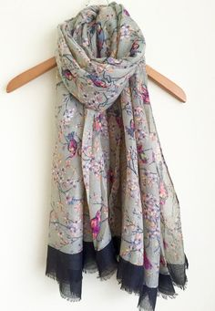 LADIES GREY PINK ORIENTAL BIRD BLOSSOM PRINT LARGE SOFT SCARF WRAP COVER UP