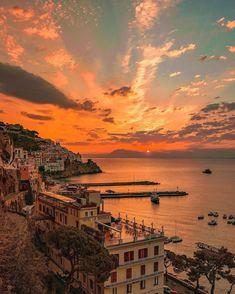 Amalfi Coast Italy, Sorrento Italy, Capri Italy, Naples Italy, Sicily Italy, Venice Italy, Foto Glamour, Beautiful Places To Travel, Romantic Travel