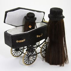 Addams Family Mini-Mansion: Swap With Kate: Welcome to Cousin Itt and family! Halloween Village, Halloween Doll, Halloween Crafts, Happy Halloween, Halloween Decorations, Halloween Party, Halloween 2019, Halloween Ideas, Haunted Dollhouse