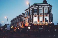 World's End Pub | Et Porquoi Pas Coline?