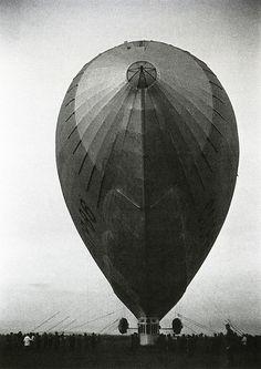 V6 airship by Ivan Shagin