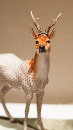 NEW in 2016 Roe Buck is painted in Vieux Herend Special Fish scale w. This fishnet or fish scale pattern is a typical motif of Herend. Porcelain Ceramics, China Porcelain, Herend China, Porcelain Doll Makeup, Painted Books, China Painting, Giraffe, Animals, Dolls