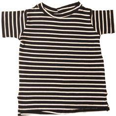 T-shirt Listra Preto    Essa camiseta vai deixar qualquer lookinho chique, elegante e estiloso! Malha leve e fácil de vestir, com detalhe de aberturas laterais, para o seu bebê arrasar por onde passar.    Composição: 96% viscose 4% elastano.    www.babybellastyle.com