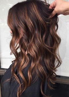 Long Wavy Ash-Brown Balayage - 20 Light Brown Hair Color Ideas for Your New Look - The Trending Hairstyle Cabello Color Chocolate, Chocolate Brown Hair Color, Hair Color Caramel, Brown Hair Colors, Chocolate Caramel Hair, Dark Caramel Hair, Caramel Brown, Brown Hair Balayage, Hair Highlights