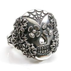 Spider Web and Flowers Sugar Skull Ring door SwankMetalsmithing, $245.00