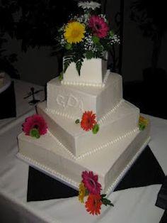 daisy offset square wedding cake