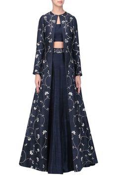 Sana Barreja presents Black embroidered lehenga with jacket set available only at Pernia's Pop Up Shop. Ethnic Fashion, Hijab Fashion, Indian Fashion, Fashion Dresses, Indian Gowns, Pakistani Dresses, Indian Wear, Indian Wedding Outfits, Indian Outfits