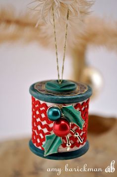 Spool Craft Christmas Posted on December 2, 2014 by Amy in Handmade How-To, Holiday Ideas