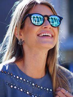 By Helena Bordon: musa do street style prepara sua própria linha de óculos