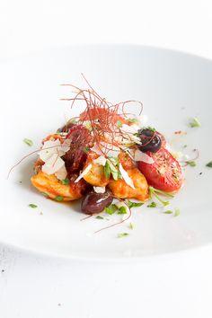 Entenragout mit schwarzen Oliven und ofengeschmorten Tomaten
