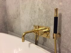 Tap and showerhead from Tapwell Box 026.