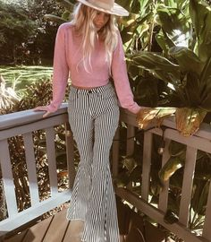 the Jazzy Striped bells! Rodeo Outfits, Western Outfits, Fall Outfits, Summer Outfits, Cute Outfits, Western Shoes, Country Style Outfits, Southern Outfits, 70s Inspired Fashion