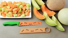 The Melon Knife Colori® from Kuhn Rikon offers a perfectly sized melon knife and a sheath to scoop out the seeds all-in-one. #kuhnrikonusa