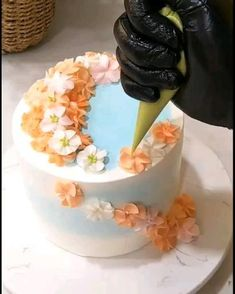 Buttercream Cake Decorating, Cake Decorating Designs, Creative Cake Decorating, Cake Decorating Techniques, Cake Decorating Tutorials, Creative Cakes, Cake Designs, Extreme Cakes, Cake Preparation