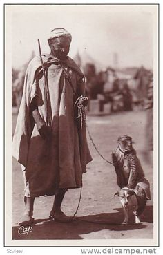 RP: Arab man & monkey , Soussi et son singe , Africa , 1920-30s - Delcampe.com