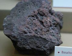 L'angolo della Geologia: Video - Identificazione delle Rocce Magmatiche Chocolate, Desserts, Food, Rocks, Video, Composition, Rocks And Minerals, Minerals And Gemstones, Shades Of Red