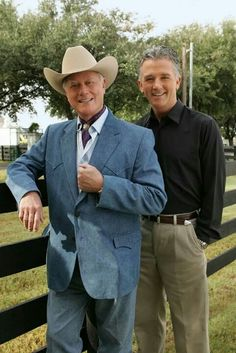 Larry Hagman & Patrick Duffy - J. and Bobby Ewing. Classic Series, Classic Tv, New Series, Dallas Tnt, Dallas Tv Show, Tvs, Josh Henderson, Patrick Duffy, Larry Hagman