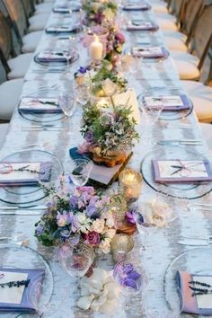 We are getting into the party mood! Sweet romantic table setting with soft lavender tones for a perfect wedding dinner party. Mod Wedding, Purple Wedding, Trendy Wedding, Wedding Table, Wedding Colors, Wedding Reception, Wedding Flowers, Dream Wedding, Wedding Dinner