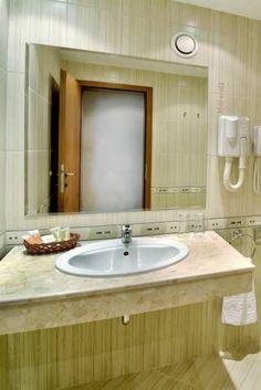 Bathroom in Hotel Lotos