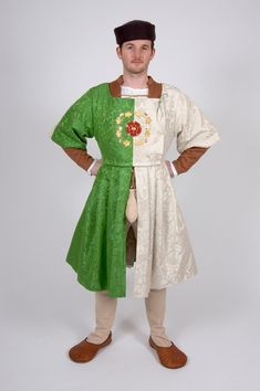 Pattern for Early Tudor Man's Doublet, Hose, Jacket and Coat - Small Sizes -