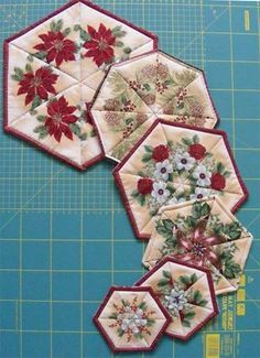 Geta's Quilting Studio: Kaleidoscope again made with striped Christmas fabric