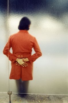 Another favorite photo from Luigi Ghirri striking an existential note. The crispness of the hands is perfect.