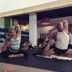 Actividades de estiramiento #clases #relax #estiramientos- Ifitness+ Beidorm