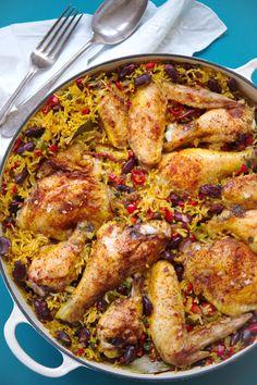 Sett karibisk kulør på denne men velsmakende one pot kyllinggryta! Jerk kylling med aromatisk kokosris og krydderier er varmende komfortmat i kulda. Superenkel å lage, prøv du også! http://www.gastrogal.no/jerk-kylling/  #Fjærkre, #Gryterett, #JamaicanskJerk, #JerkKrydder, #KaribiskKylling, #Kjøtt, #Kokosmelk, #Kokosris, #Kylling, #Pilaffris