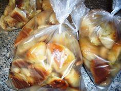 Cesnakové trojhranky (fotorecept) - recept | Varecha.sk Spanakopita, Ale, Ethnic Recipes, Food, New Years Eve, Bakken, Ale Beer, Essen, Meals