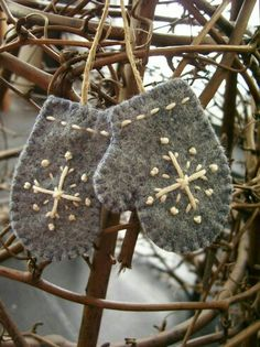 make mittens from felted wool sweater scraps