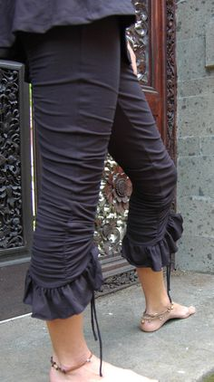 Priya Pants: Black Ruched Ruffle Yoga Leggings...feels good to look good while you sweat!
