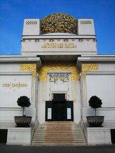 1898: Joseph Maria Olbrich - Vienna Secession (Art Nouveau) Building, diseña el edificio para la exposición de la Secession.