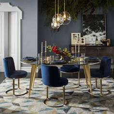 Internal Home Design: navy blue and gold dining room Luxury Dining, Gold Dining Room, Decor, Velvet Dining Chairs, Dining Room Contemporary, Dining Room Decor, Home Decor, House Interior, Modern Dining Room