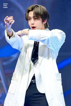 Monsta X Hyungwon Kihyun, Monsta X Hyungwon, Shownu, Jooheon, Lee Minhyuk, Starship Entertainment, My Prince, Blue Hair, Dancer