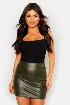Vinyl Mini Skirt, A Line Mini Skirt, Night Outfits, Fashion Outfits, Womens Fashion, Fasion, Evening Skirts, Leather Mini Skirts, Fashion Face