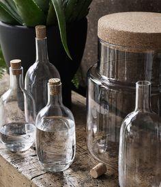 Todas las botellas SINNERLIG están realizadas en vidrio soplado a mano por un experto artesano para que sean únicas.
