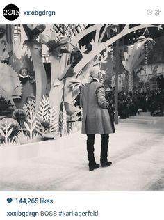 Karl Lagerfeld at Paris Fashion Week. Fashion Boss. . #gdragon #kpop #jiyong #givongchy #xxxibdgrgn