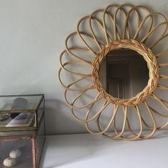 NIEUW bij The Finch Rotan spiegel - Zonnetje - € 29,75