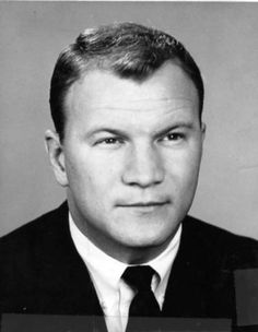 Former Oklahoma and Dallas Cowboys coach Barry Switzer says the older you get, the faster it goes. Ou Football Game, Semi Pro Football, Happy 75th Birthday, Happy Birthday Wishes, Dallas Cowboys Coaches, Barry Switzer, Boomer Sooner, All Team, People Of Interest