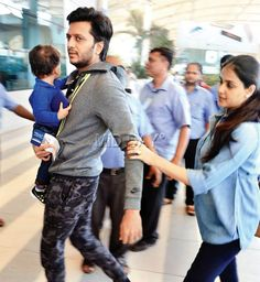 Spotted: Riteish, Genelia Deshmukh with their son Riaan Bollywood Couples, Bollywood Actors, Bollywood Celebrities, Bollywood Fashion, Genelia D'souza, Mumbai Airport, Star Family, Indian Celebrities, Best Couple