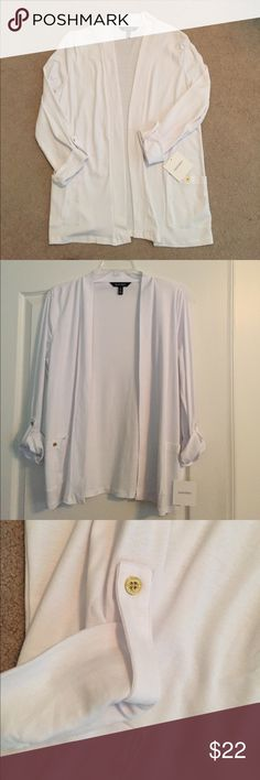 Ellen Tracy White Cotton Cardigan Large New lightweight white cotton cardigan. 2 patch pockets in front and sleeves can be rolled and cuffed with gold button tab. Matching button on pockets Machine washable. Ellen Tracy Sweaters Cardigans