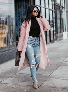 20 Cute Spring Outfits Ideas For Women 2020 springoutfits womenoutfits 640496378241054721 Winter Outfits Women, Winter Fashion Outfits, Autumn Fashion, Fashion Black, Fashion Spring, Pink Fashion, Fashion 2020, Fashion Fashion, Spring Work Outfits