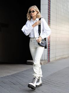 Doc Martens have been in style for almost 60 years, discover what made them so popular. We also discuss how to wear them in style! Dr Martens Outfit, Dr. Martens, White Outfits, Girl Outfits, Fashion Outfits, Fashion Tips, Fashion Ideas, White Dr Martens, Combat Boot Outfits